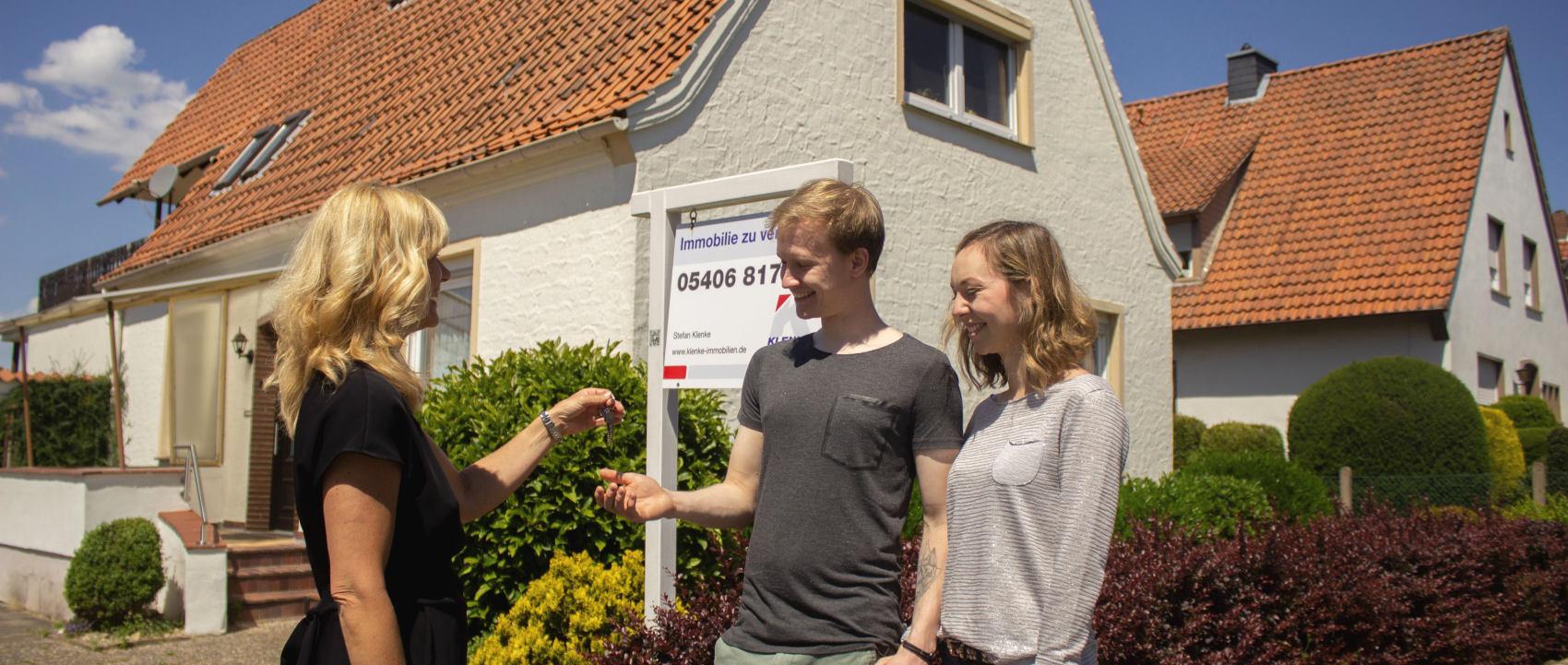 Die hier verlinkten Ratgeber und Checklisten vermitten Ihnen wichtiges Wissen rund um den Immobilienverkauf.